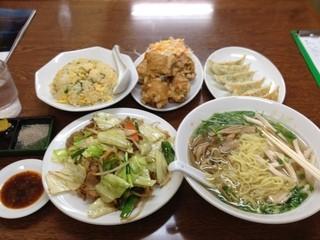 大王 有楽街店 - 鶏そば、チャーハン、野菜炒め、餃子、鶏の唐揚げ