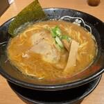 金澤濃厚豚骨ラーメン 神仙 - 濃厚豚骨醤油ラーメン