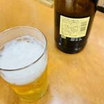 しちりん焼肉 梅田若葉屋 - ドリンク写真:瓶ビールはサッポロ黒ラベルの大瓶