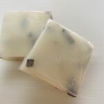 石谷もちや - 北海道産・羅臼昆布が入った、富山名物・切り餅です♡