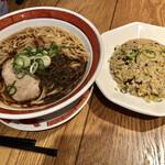 タイガー餃子会館 - 中華そばとミニ炒飯