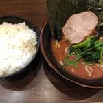 武道家 - ライス無限食べ放題50円