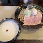 かしや - 料理写真:特製つけ麺並(250g)+半味玉 950円+50円