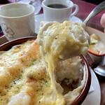 レストラン コロナ - ソース、チーズ、ライスいい感じ。旨いよ