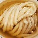 148335223 - 綺麗に整ったうどんに金色に輝くおつゆが美しい!!