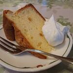プティレストラン宮本 - デュエットランチのシフォンケーキ