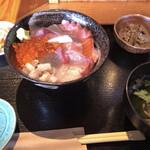 海鮮 まんまてい - 海鮮丼