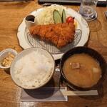 Front du CHATON - ロースカツ定食@1500