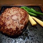 14835054 - 牛ハンバーグの溶岩焼き(ランチ 1,000円)