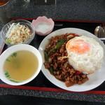 タイレストラン チェンマイ - ガパオランチ800円