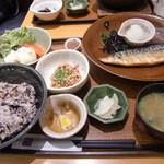 大戸屋 - 鯖定食+納豆+ポテサラ