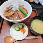 14835737 - 豚丼 1000円