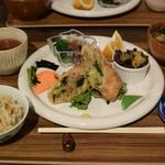 根津の谷 - 根津の谷定食 1450円(税込)