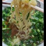 ラーメン太七 - 麺リフトならぬ麺ダウン。 麺は他店よりコシがありマィウ~( ^o^)ノ
