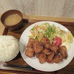 おうちごはん 夢ん家 - 1Kgランチ 唐揚定食