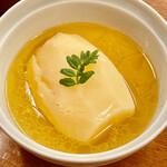 味百仙 - 低温のバタースープでゆっくり炊いたじゃがいもは甘塩っぱくて大変美味しいです