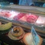 スーパー回転寿司 やまと 木更津店 - カウンターレイン