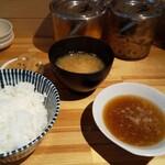 揚げたて天ぷらマルニ - 料理写真:定食の固定部分。漬物フリー。でも残さない程度の量でね。