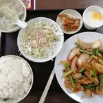 晴々飯店 - リアル回鍋肉定食 880円