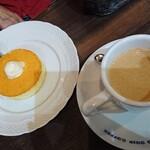 Hoshinokohiten - カフェ・オレ(ホット)520円、ミニパンケーキのモーニングセット