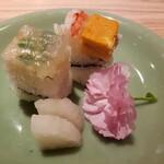 はせ川 - 箱寿司 2種