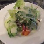 カナリア - パスタセットのサラダ。ドレッシングはオリジナルマヨネーズ