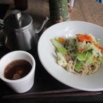 kurkku 3 - 野菜の蕎麦 850円