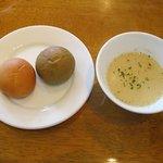 Caretta Caretta - 自家製パンとジャガイモのスープ(ランチ)