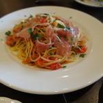 ナポリピッツァ Pizzeria la Rossa - 生ハムとフレッシュトマトのアーリオオーリオ