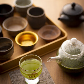 様々な産地の茶葉