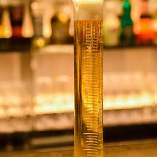 世界のビールを60種類ご準備--------!