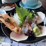 Ganyuutei - 頭の天ぷらと刺身