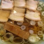 丸信ラーメン - 醤油チャーシューラーメン