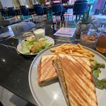 slash cafe&bar -