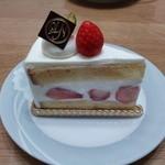 パティスリー・ラ・ノブティック - 苺のショートケーキ390円