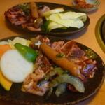 14844822 - 元気にもりもりセット(カルビ、ハラミ、鶏カルビ、エビ、ウインナー、野菜)二人前
