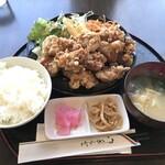ごちそうさん食堂 - 料理写真:北広島ザンギ定食(800円)