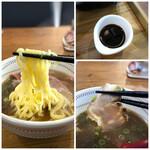 148454187 - ◆麺の知識が全くないので何というのか解りませんが、もちもち感があり好みのタイプ。 チャーシューも入っていました。