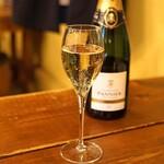 ガンゲット・ラ・シェーブル - Champagne Pannier Selection Brut