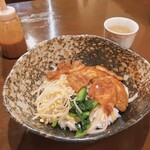 炭火ホルモン 焼肉 金丸 - 豚バラ丼