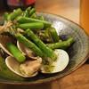 NIVAL - 料理写真:蛤とアスパラのワイン蒸し