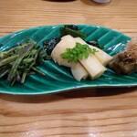 鮨脩 - 山菜3種  1500円くらい   せりのごま和え 筍  ふき煮浸し