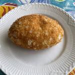 ブーランジュリ シマ - チキンスパイスカレーパン