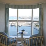 14847056 - ハーバースイート:ホテル先端部分の窓