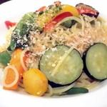 オイノス - 神奈川県地野菜たっぷりのペペロンチーニです
