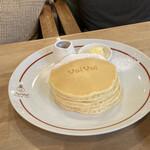 パンケーキママカフェ VoiVoi - お皿にもvoivoiのマークが!