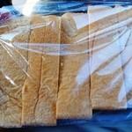 パン工房ささき亭 - 食パン(6枚・4枚でカットしていただく)