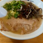 博多一舞 - 白とんこつラーメン(税込650円)