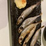 牡蠣料理ともつ鍋が旨い個室居酒屋 うみきん - * ししゃも(5本)580円