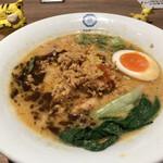 博多鶏ソバ 華味鳥 - 博多鶏担々麺 1,150円(税込) ※アップで